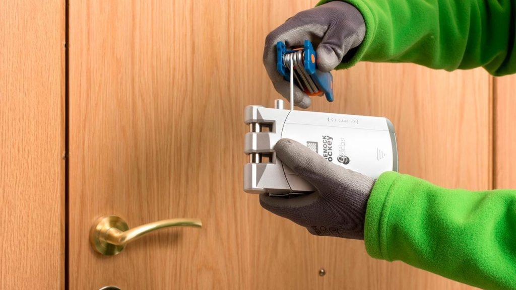 Cerradura invisible fácil de instalar